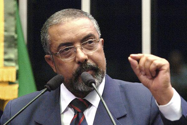Senador Paulo Paim (PT-RS), autor da proposta de lei de regulamentação da profissão de historiador, que foi aprovada no Senado em 2012 e atualmente está em trâmite na Câmara dos Deputados
