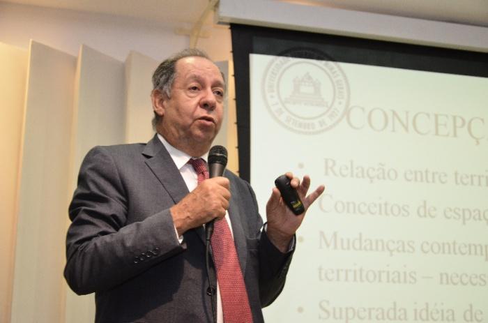 Clelio Campolina Diniz, reitor da UFMG, novo ministro da Ciência, Tecnologia e Inovação a partir de 17 de março. Foto de Carlos Soares