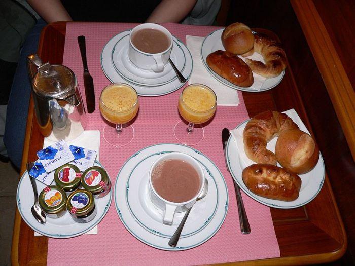 """""""Petit dejeuner"""", by Rama"""