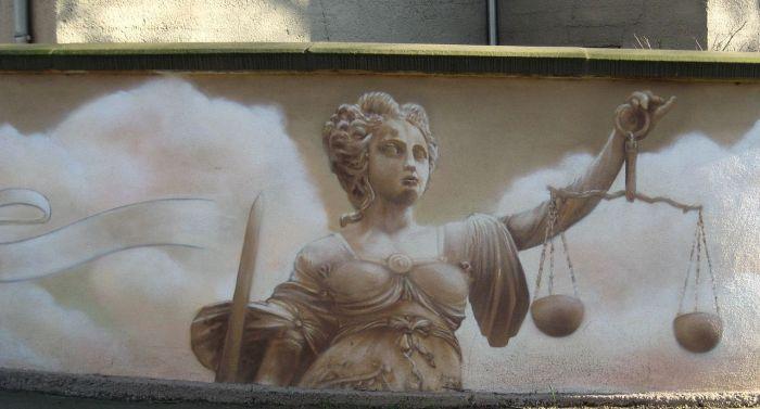 A Justiça, em mural de Halle, na Alemanha. Imagem: Ralf Lotys/Reprodução Creative Commons